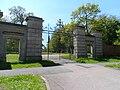 Kimbolton School Gates-geograph.org.uk-3483841.jpg