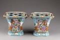 Kinesiska porslinsurnor från 1735-1795 med hål för blommor - Hallwylska museet - 95865.tif