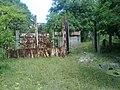 Kis-Moszkva - Elhagyott szovjet laktanya - hátsó bejárat - panoramio.jpg