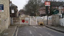 Knaresborough railway station (19th March 2013) 002.JPG