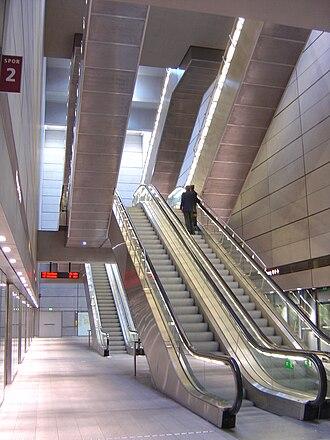 Kongens Nytorv Station - Image: Kongens Nytorv Station under jorden