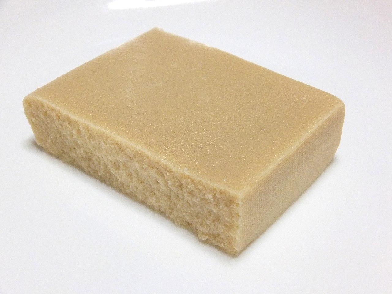 التوفو المجفف المثلج (Koya-dofu) | عبر ويكيميديا