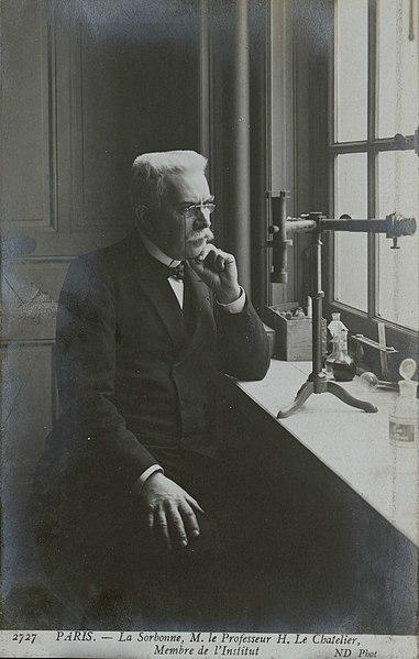 File:La Sorbonne. M. le professeur H. Le Chatelier, membre de l'Institut.jpg