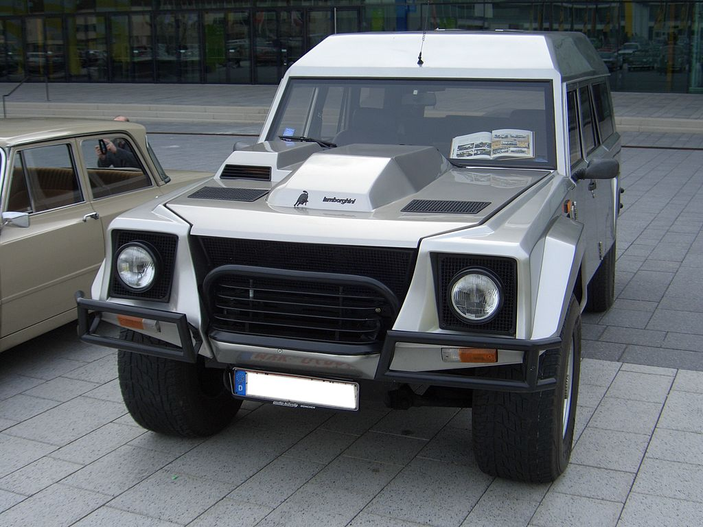 file lamborghini lm002 brunei 1989 front 2009 03 14 wikimedia commons. Black Bedroom Furniture Sets. Home Design Ideas