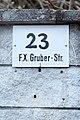 Lamprechtshausen - Ort - Franz-Xaver-Gruber-Straße 23 - 2018 03 23 - Schild.jpg