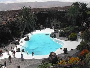 English: Pool at cave system Jameos del Agua o...