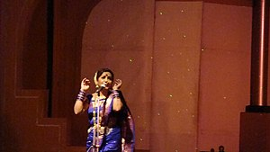 Kasta sari - Lavani performance by Smt. Surekha Punekar in a nine-yard kasta sari.