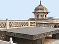 Le Trône de Jahangir (Fort Rouge, Agra) (8513107205).jpg