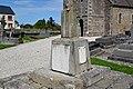 Le monument aux morts de Sourdeval-les-Bois.jpg