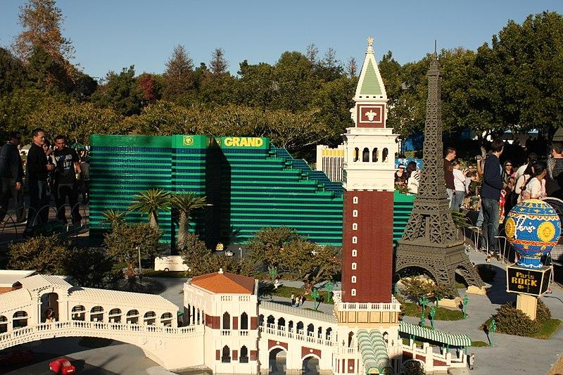 File:Lego Las Vegas (3169637692).jpg