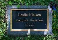 Leslie Nielsen Headstone.jpg