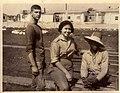 Liliana Morenza junto a dos homosexuales de la Unidad Militar de Ayuda a la Producción de Cuba.jpg