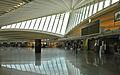 Lintérieur de laéroport de Bilbao (3472922131).jpg