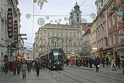 Der im Stadtzentrum und an der Einkaufsmeile Landstraße gelegene Taubenmarkt ist der täglich am stärksten frequentierte Platz Oberösterreichs.