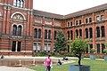 London - Cromwell Gardens - Victoria & Albert Museum - John Matejski Garden 2005 - View North.jpg