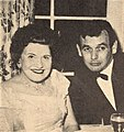 Louella Parsons with David Janssen, 1960.jpg