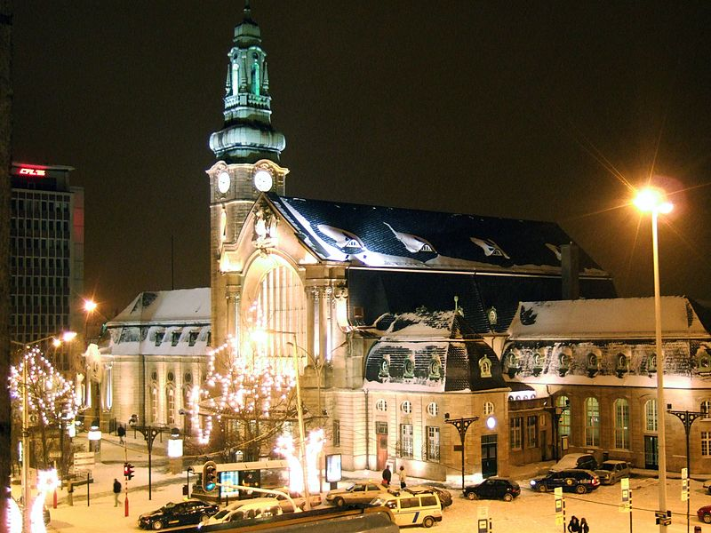 File:Luxembourg station winter.jpg