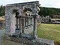 Lyse kloster i Os - arkadehjørne.jpg