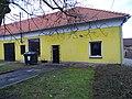 Máslovice, Pražská čp. 16, bývalý obchod.jpg