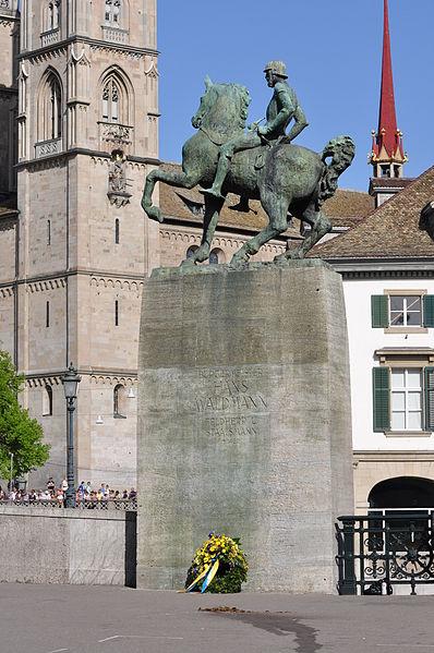 File:Münsterhof - Hans Waldmann - Sechseläuten 2011-04-11 16-33-36.JPG
