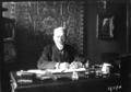 M. Bompard ambassadeur de France à Constantinople à son bureau.png