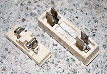 fuse electrical wikiwand mem rewirable fuse holders 30 a and 15