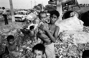 Manuel Rivera-Ortiz - City Dump, Yamuna River Slum, Delhi, India 2005