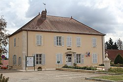 Mairie Essards Taignevaux 1.jpg