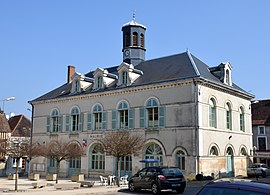 The town hall in Ravières