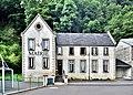 Mairie du village de Chambon-sur-Lac.jpg