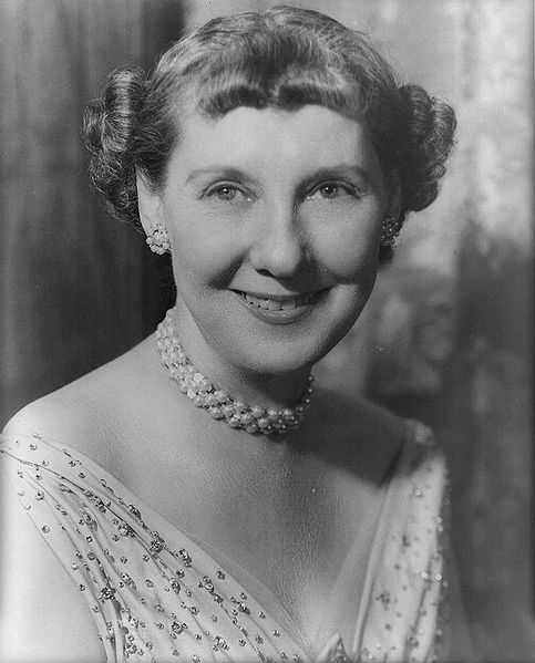 File:Mamie Eisenhower no border.jpg
