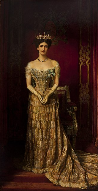 Lady Curzon's peacock dress - Image: Mary Leiter, Lady Curzon, wearing a 1903 gown by Jean Philippe Worth William Logsdail 1909 portrait