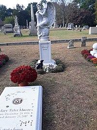 Mary tyler moore grave.jpg