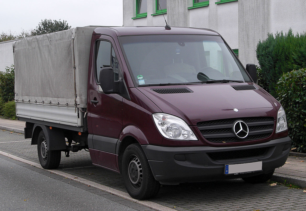 file mercedes sprinter 313 cdi pritschenwagen w906 front. Black Bedroom Furniture Sets. Home Design Ideas