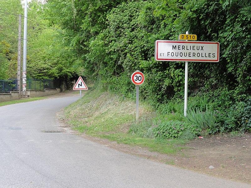 Merlieux-et-Fouquerolles (Aisne) city limit sign