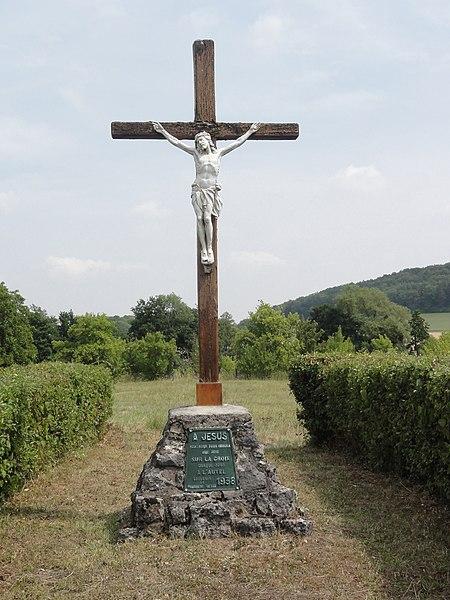 Mesnil-sous-les-Côtes (Bonzée, Meuse) croix de chemin