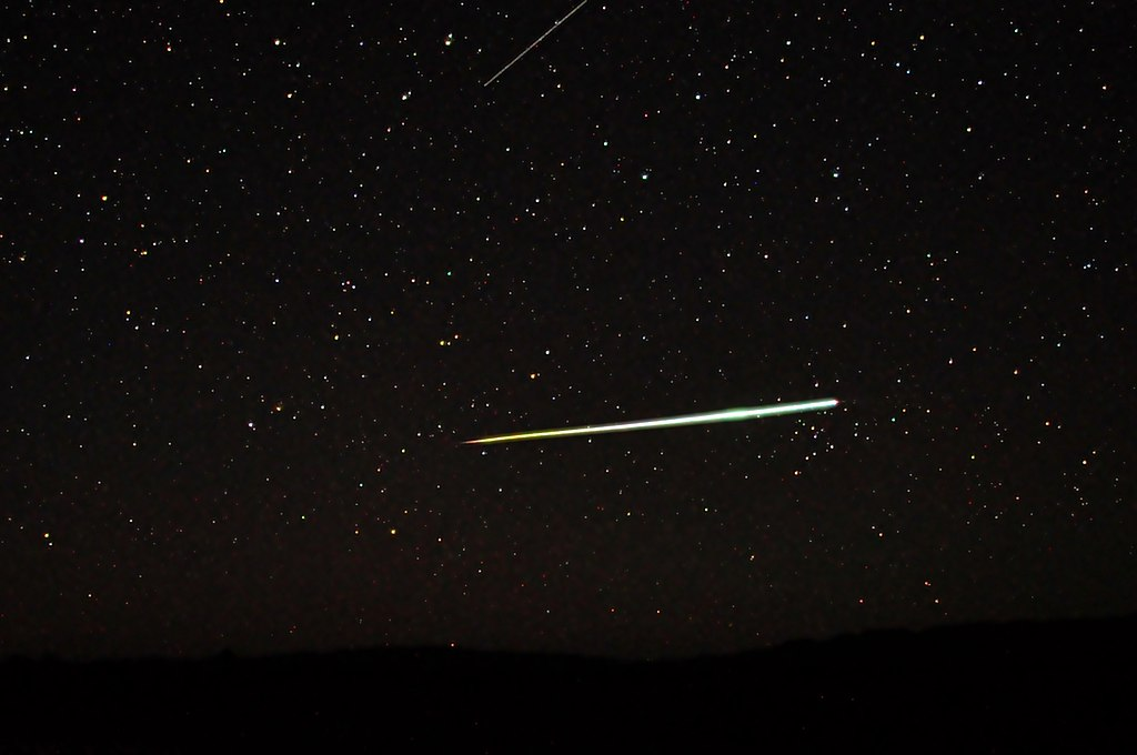 Meteori 1024px-Meteor_Bolide