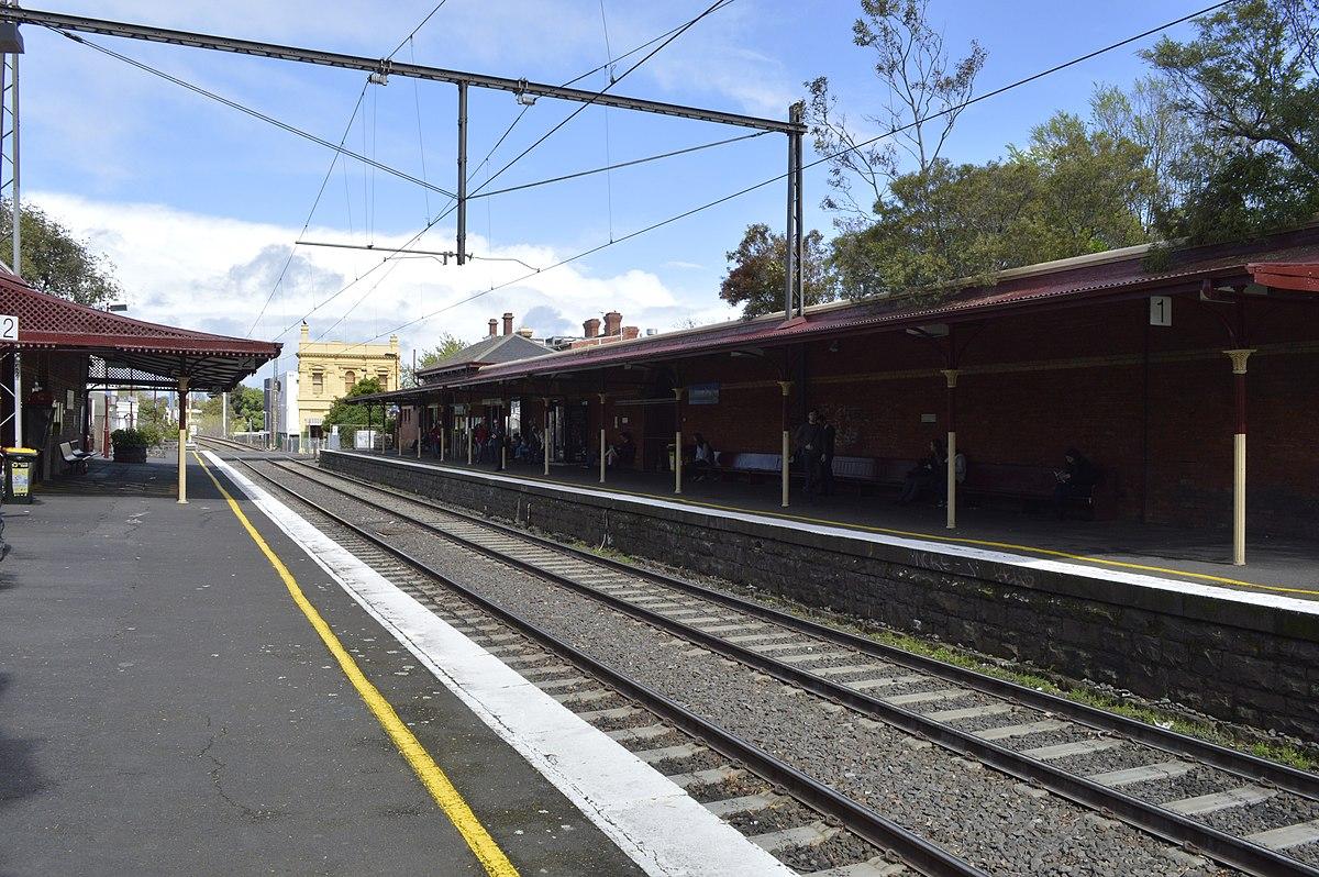 Middle Brighton railway station
