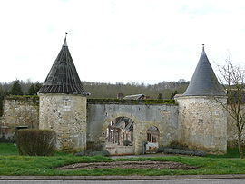 The fortified manor of Ponceaux in Montreuil-sur-Breche