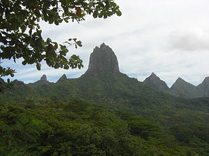 Mount Tohivea - View of  Mou'a Roa (880 m) from Belvedere Lookout