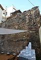 Muralla islàmica de València a una casa del carrer del portal de la Valldigna.JPG