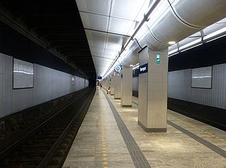 Boulevard Line - The main line platform at Nørreport Station on the Boulevard Line in 2015.