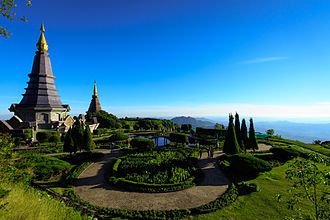 Doi Inthanon - Naphamethinidon and Naphaphonphumisiri, two chedis near the summit of Doi Inthanon