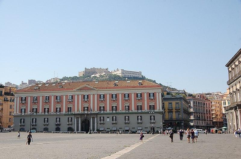 File:Napoli 2010 -Palazzo della Prefettura- by RaBoe001.jpg