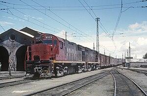 Ferrocarriles Nacionales de México - N de M ALCO C424 8129 leads a train in Esperanza in 1966