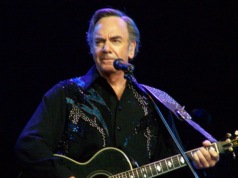 https://upload.wikimedia.org/wikipedia/commons/thumb/1/17/Neil_Diamond_2.jpg/800px-Neil_Diamond_2.jpg