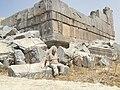 Niha fortress - temple - panoramio.jpg