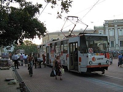 Трамвай у Большой Покровской
