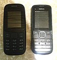 Nokia 105 (2017) and Nokia C1-01.jpg