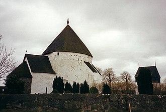Newport Tower (Rhode Island) - Østerlars Church, Bornholm